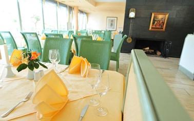 Villa am Rhein - Hotel*Restaurant — Andernach Tourismus